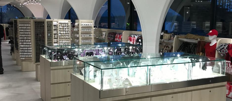National Gift Shop, Niagara Falls, ON.