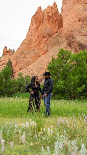Garden of The Gods photography session with Airbnb Experiences