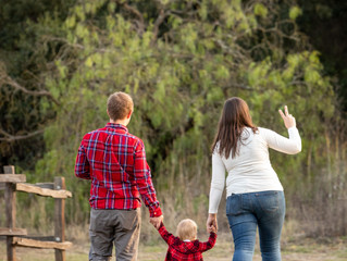 Christmas holiday family photo session | Ed R. Levin County Park | California