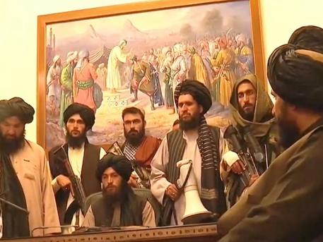 Taliban sweeps Afghanistan