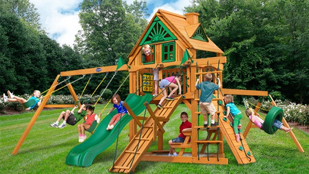 Horizon w/ Tire Swing & Ramp w/ Treehouse Add-On $2,299