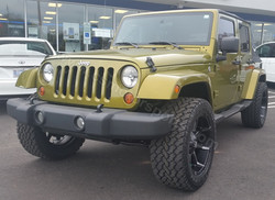Jeep Wrangler Unlimited Sahara2