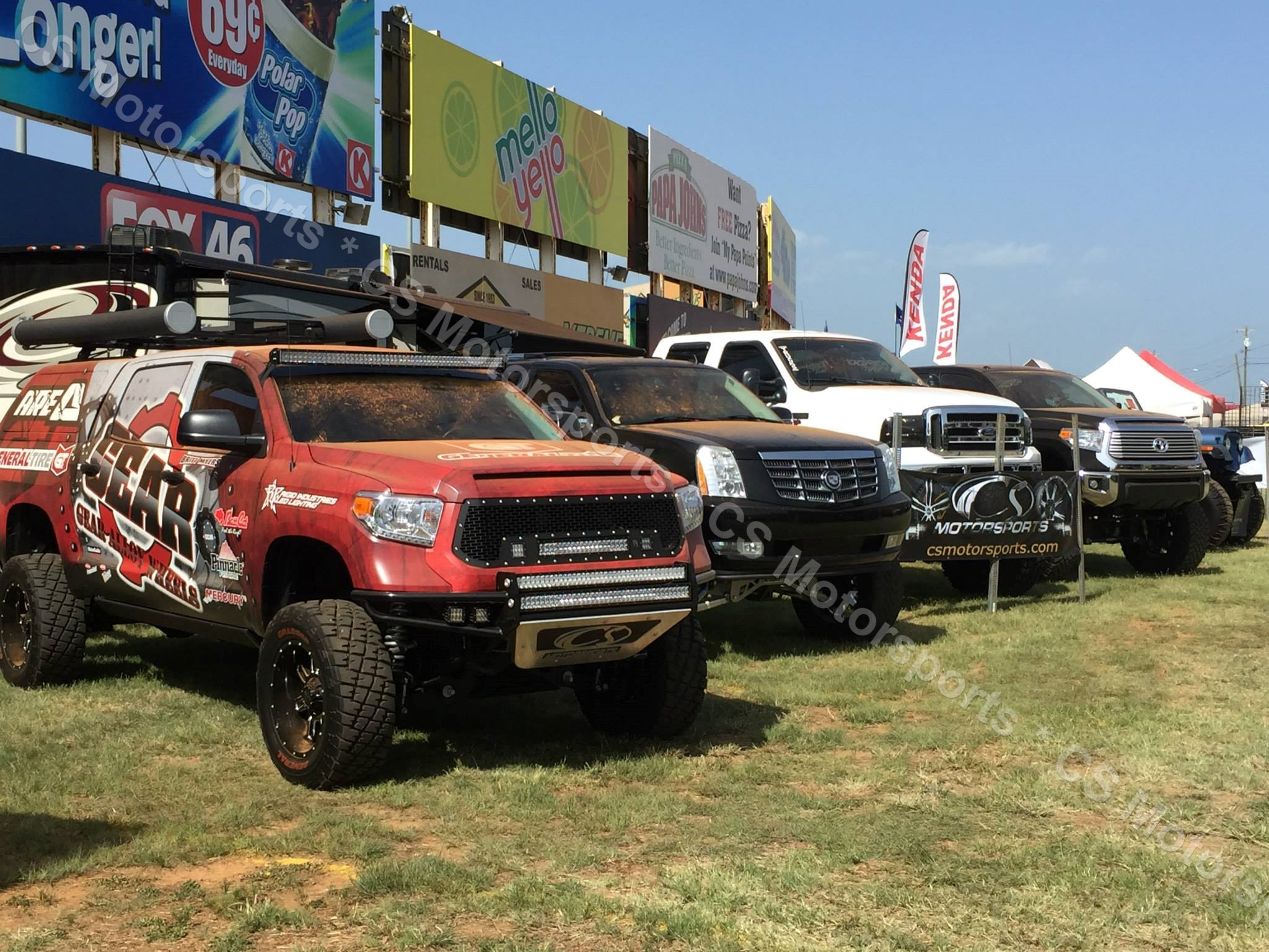 DUB Truck Show LFTD & LVLD (896)