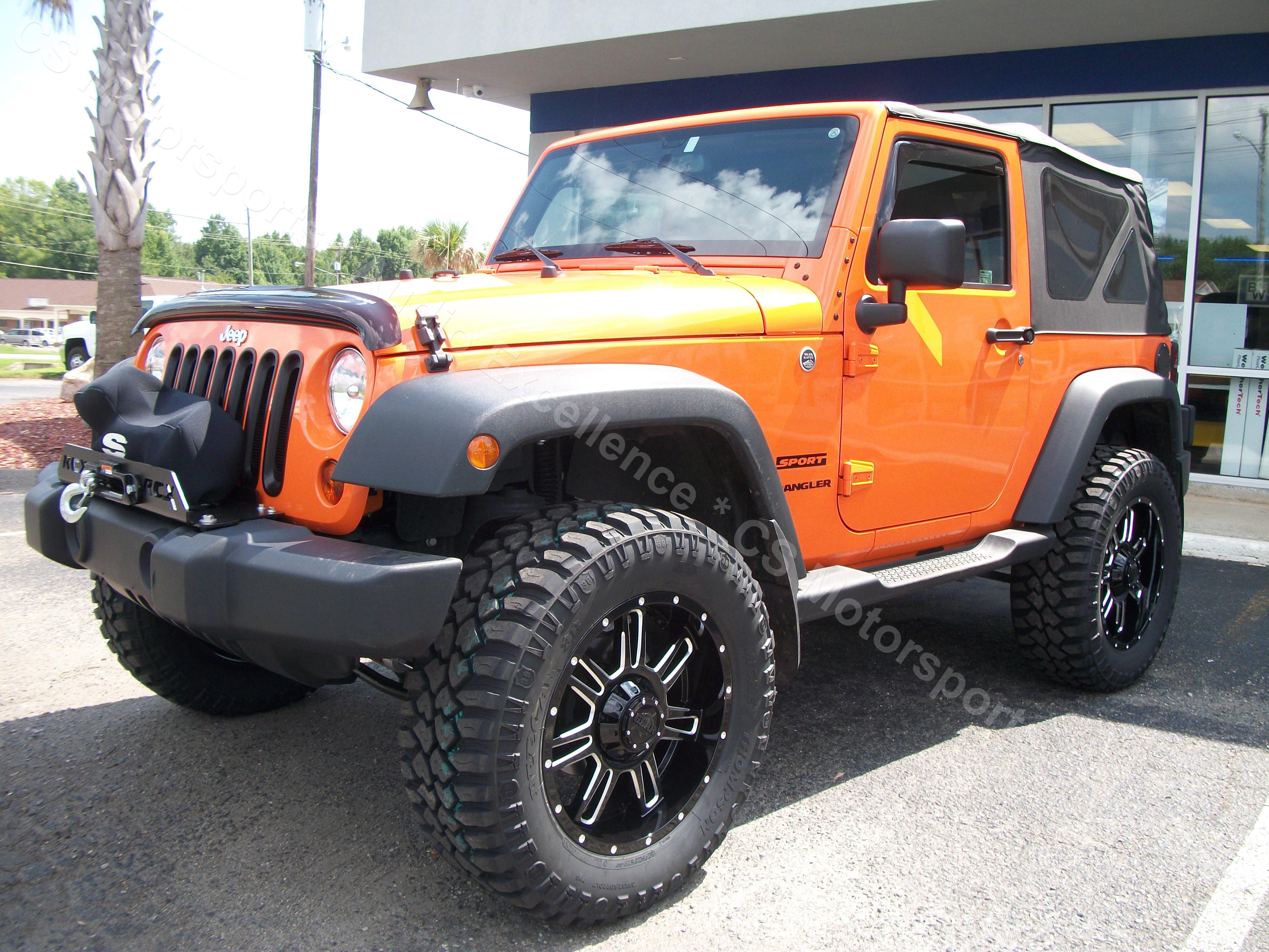 orange jeep 002