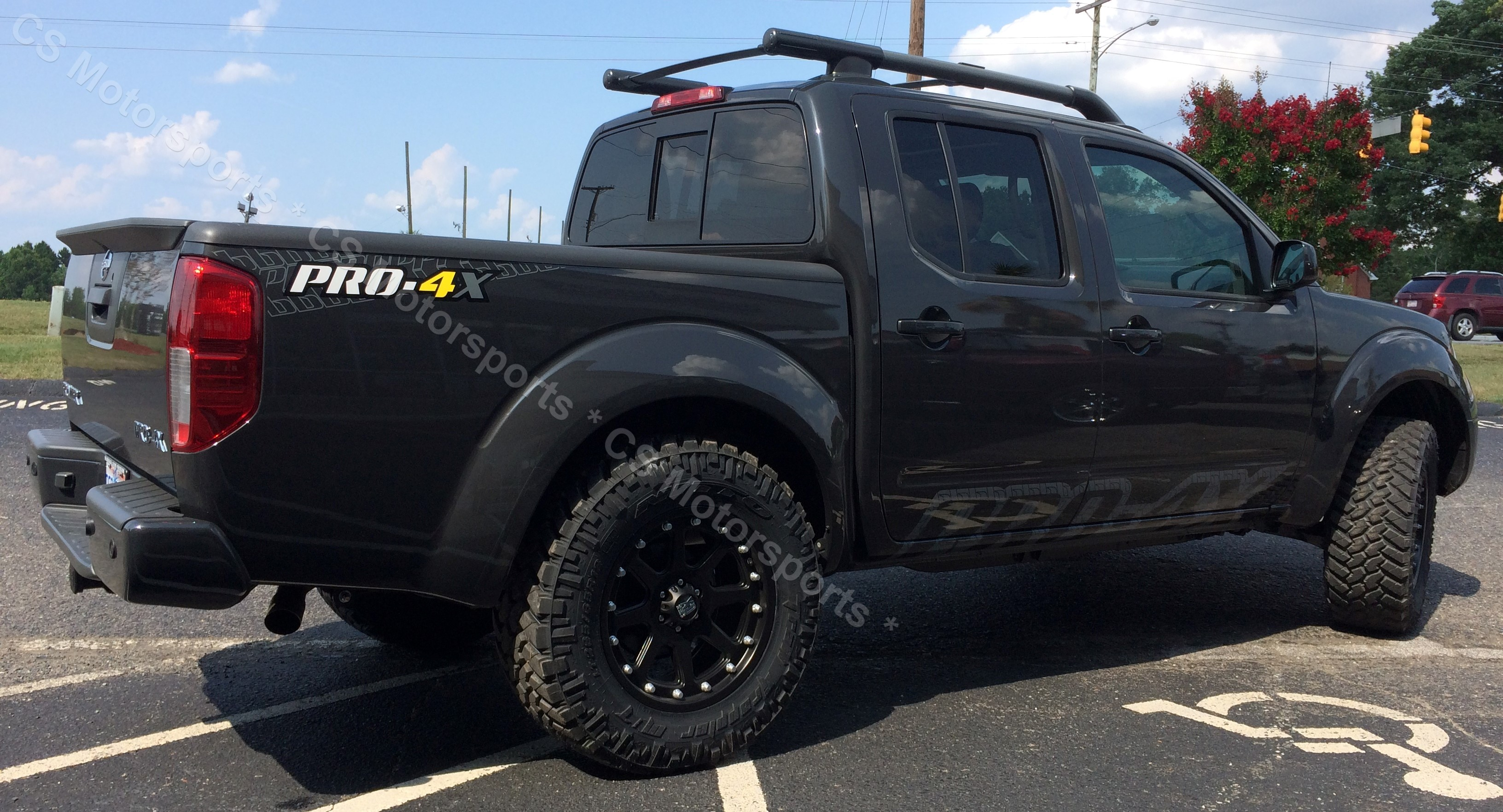 2015 Nissan Frontier PRO-4X (895)