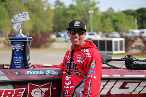 Britt Myers wins at Winyah Bay.