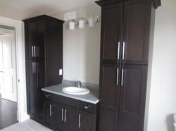 256951_108ladyruss_upperlevel_bathroom5.jpg