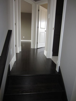 256955_108ladyruss_upperlevel_hallway.jpg