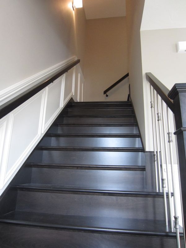 256957_108ladyruss_upperlevel_stairway2.jpg