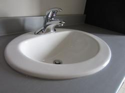 256953_108ladyruss_upperlevel_bathroom7.jpg