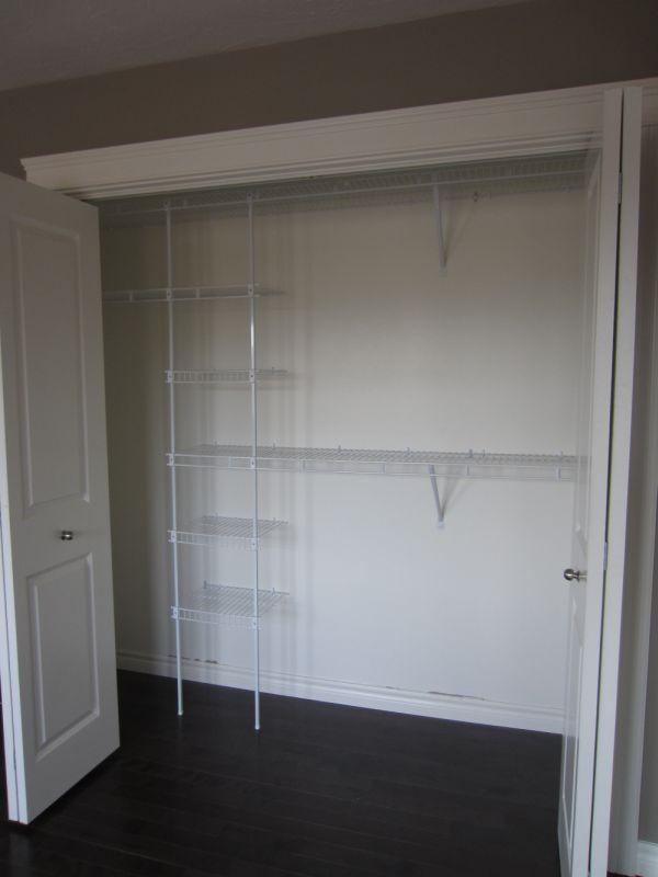 256941_108ladyruss_master_closet.jpg
