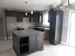 256925_108ladyruss_kitchen1.jpg