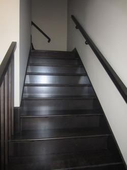256803_93ladyruss_upperlevel_staircase1.jpg