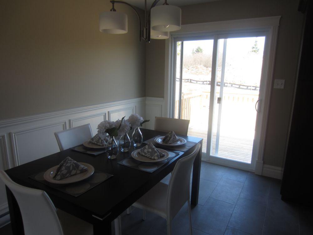 256772_93ladyruss_dining_room2.jpg