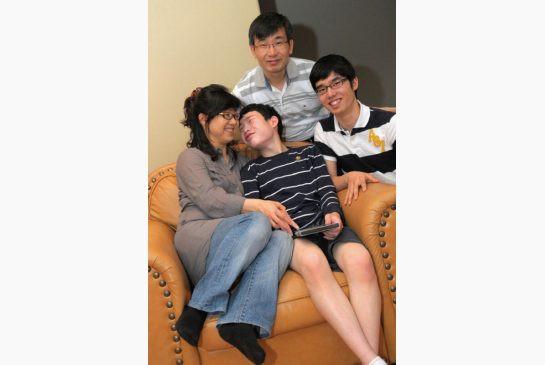 maeng family.jpeg
