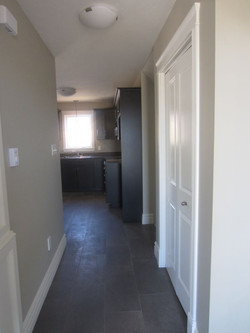 256774_93ladyruss_entry_to_kitchen_view.jpg