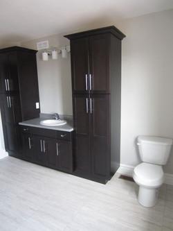256950_108ladyruss_upperlevel_bathroom4.jpg
