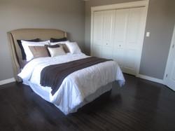 256794_93ladyruss_master_bedroom2.jpg