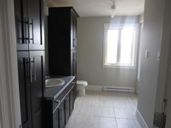 256947_108ladyruss_upperlevel_bathroom1.jpg