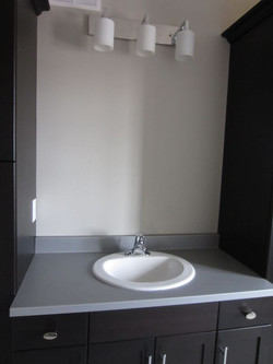 256952_108ladyruss_upperlevel_bathroom6.jpg