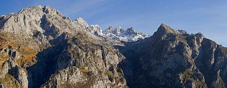 el espetáculo de los lagos de covadonga