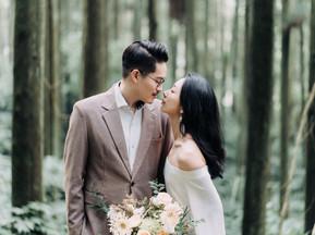 自然恬靜的婚紗拍攝,是兩人踏入愛裡的真實模樣。 Linn 攝影 /Dabby 造型 / Emotion 映目婚紗