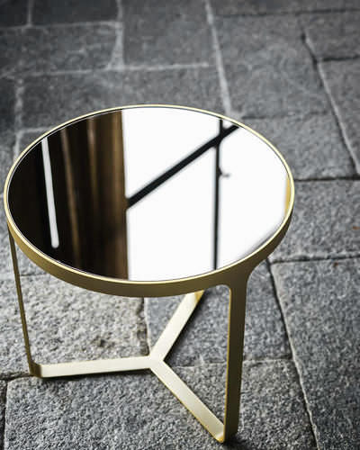 table-appoint-contemporaine-metal-ronde-50297-7691883