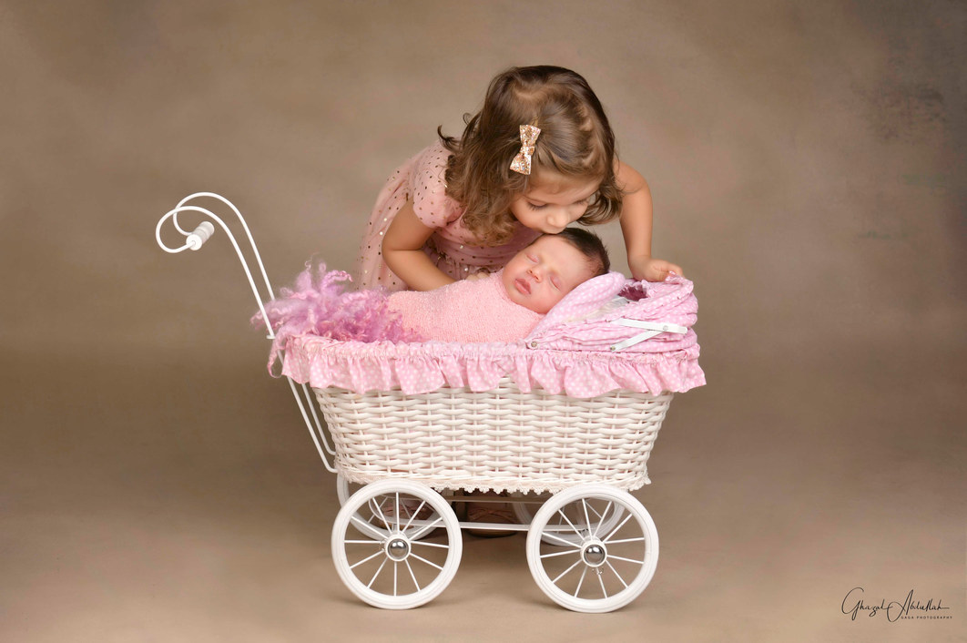Dubai Newborn Photographer, Newborn Photographer in Dubai, Newborn Photographer Dubai, Baby Photographer in Dubai