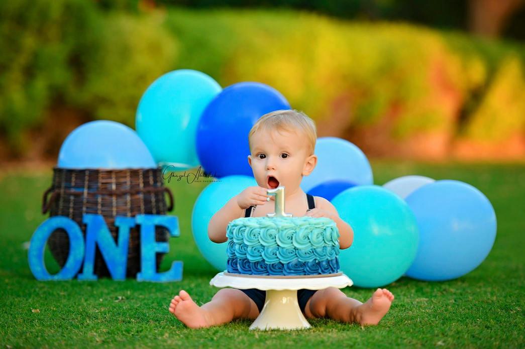 Cake smash photographer, cake smash photographers, newborn photographer, newborn photographers, family photographer, family photographers, maternity photographer, maternity photographers