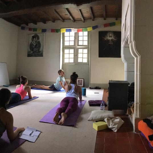 yoga teacher training retreat france