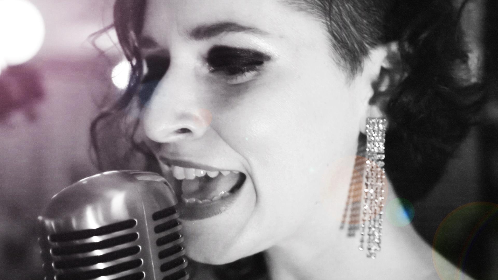 Miss Cara Dineen