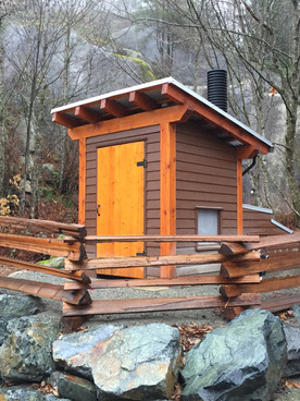 Single stall custom Decompose building in Squamish
