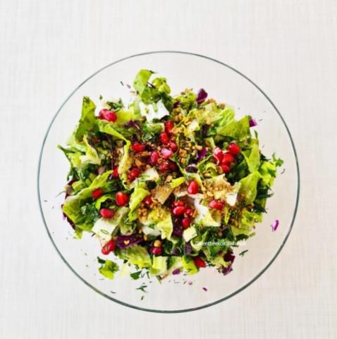 Nar kabuğu tozu ile salata