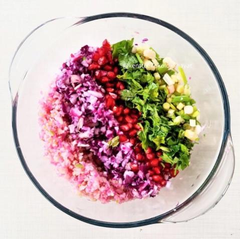 Kabukları ve saplarıyla çöpsüz turp salatası