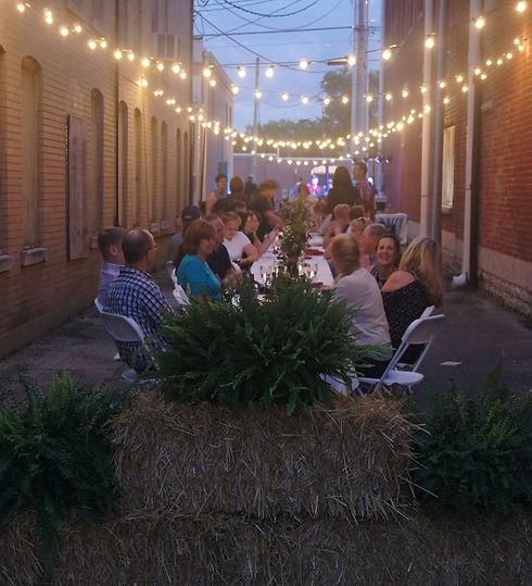alley dinner 2.jpg