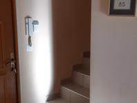 existant-entrée escalier.jpg