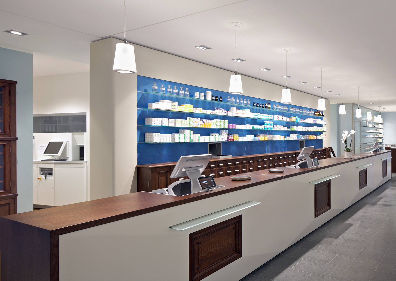 interior-of-empty-modern-pharmacy-2EQNLF