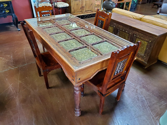 Old World Dining Table W/4 Chairs