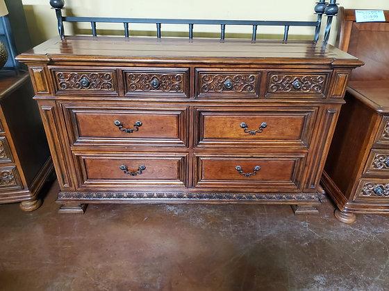 Traditional Style Dresser -Scottsdale