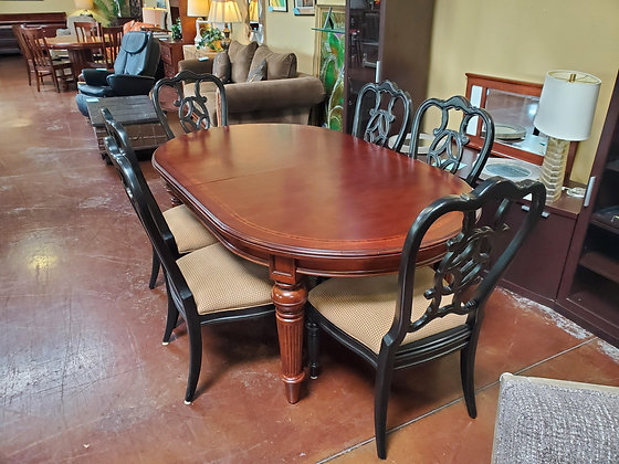 Drexel Dining Table W/6 Chairs 2 Leafs  And Pads - Scottsdale