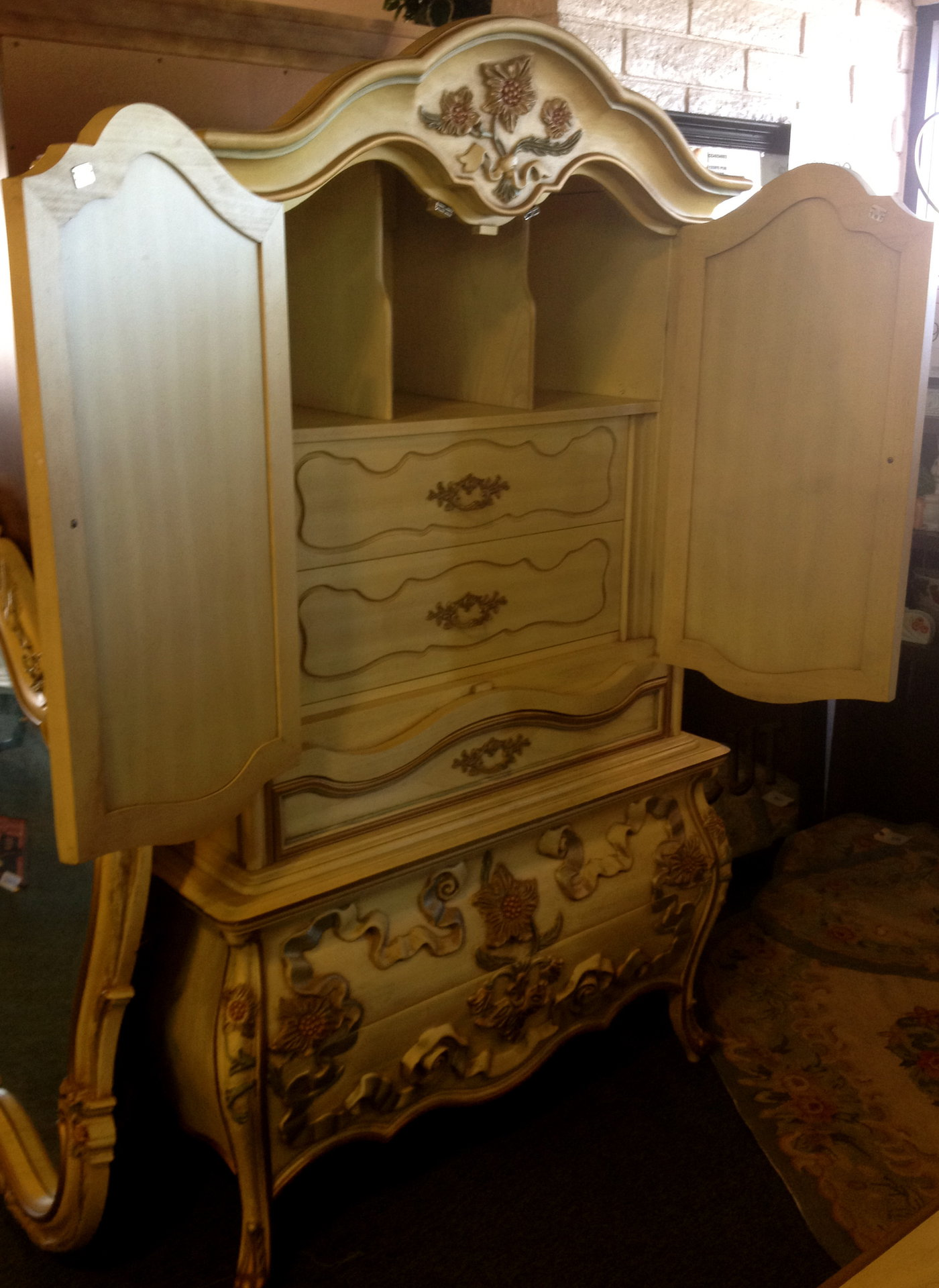 Consignment furniture - Beauty and the beast bedroom furniture ...