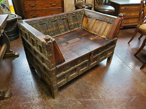 Old World Rustic Storage Bench - Scottsdale