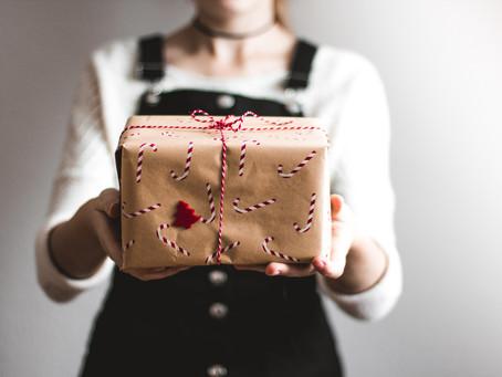 Sí, hacer regalos sostenibles es posible y estos son nuestros favoritos