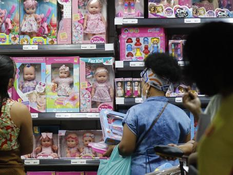 ECONOMIA: Intenção de consumo das famílias se mantém estável em outubro