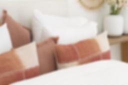 Deco Cushion Favo Coral 40x40 (15).JPG