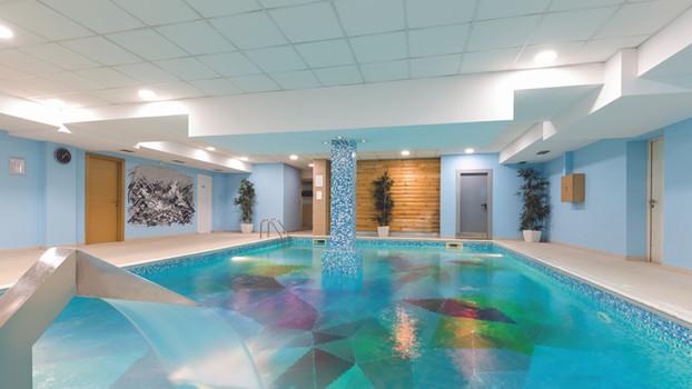 Das komplette Schwimmbad