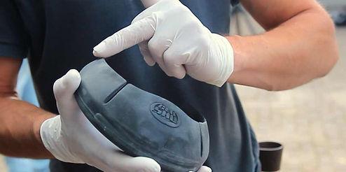 Glue shoe glue on horse shoes