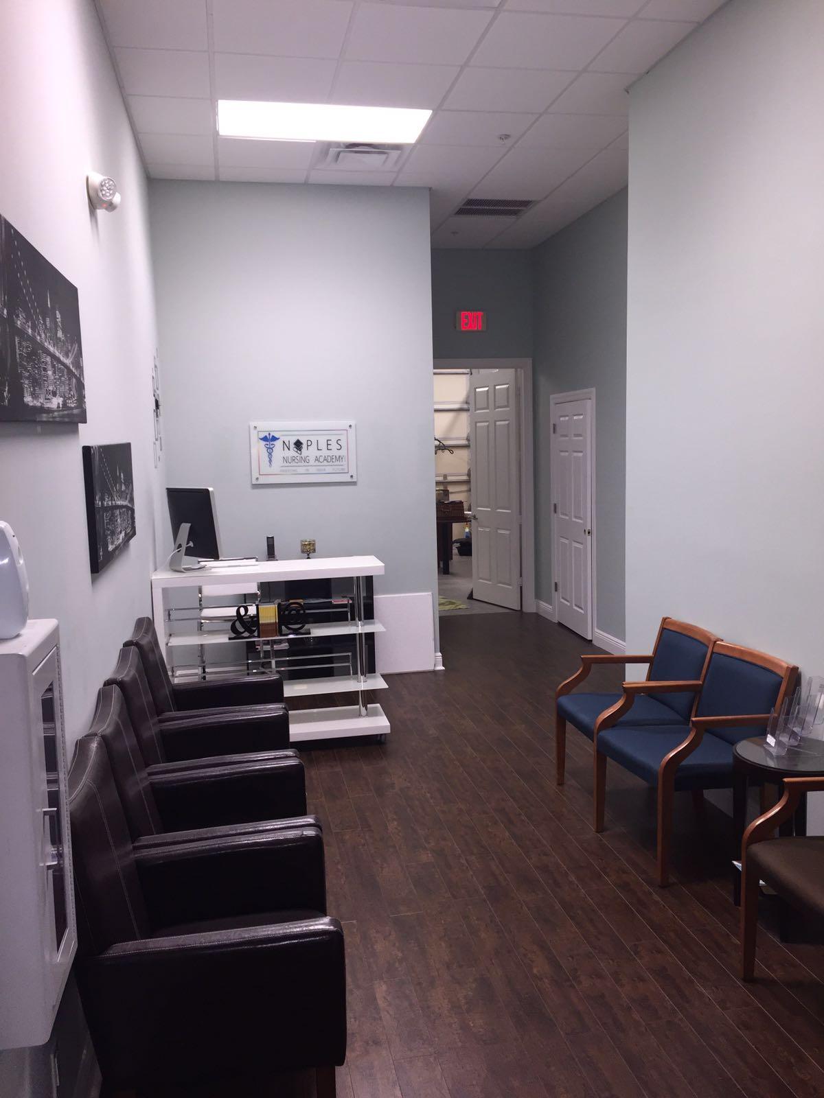 Naples Nursing - Sitting Area