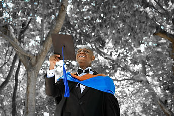 graduation-2349741_1920.jpg