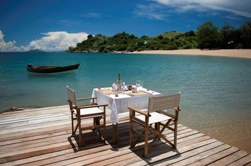 Kaya Mawa Lake side lunch.jpg